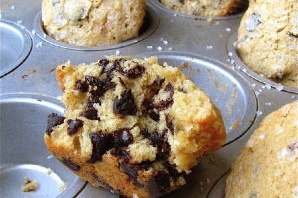 golden chocolate chip muffins