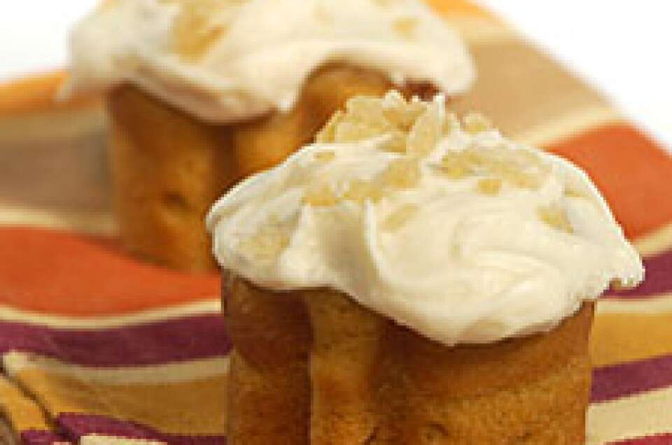 Pumpkin Mini Cakes with Cream Cheese Icing