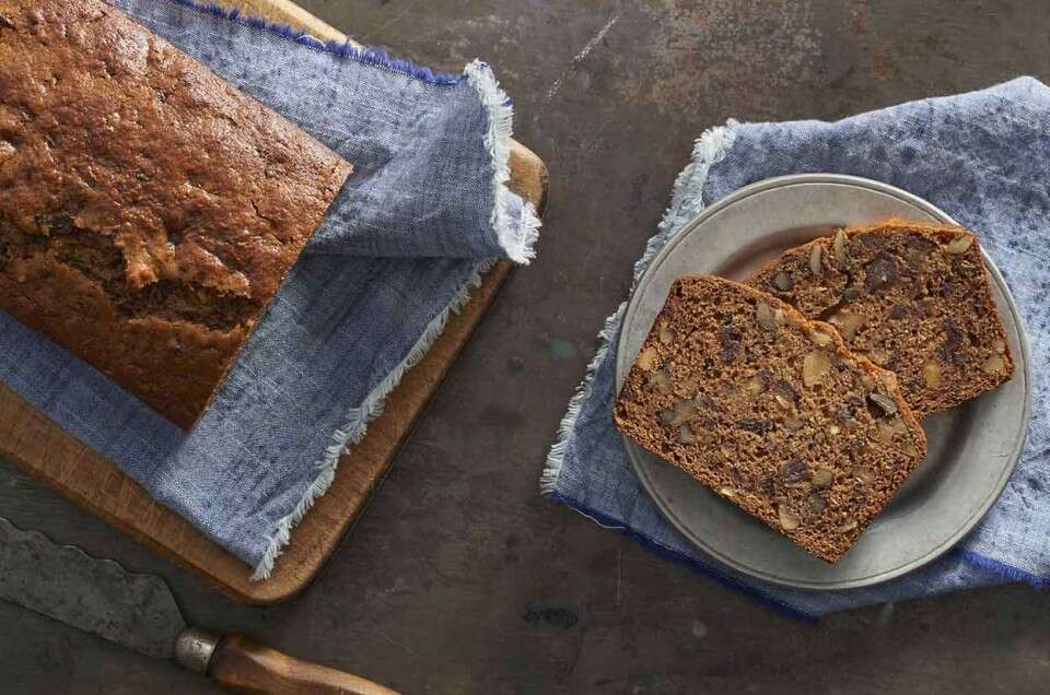 Old-Fashioned Date-Nut Bread | King