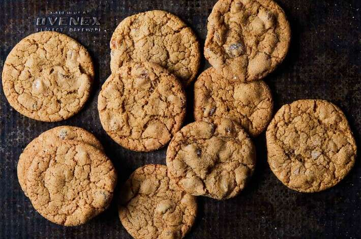 Ginger Molasses Amber Ale Cookies