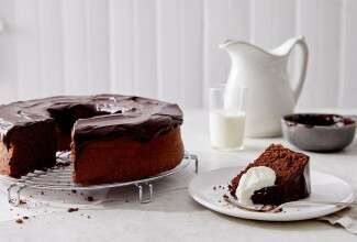 Flourless Chocolate Nut Cake