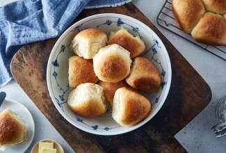Sourdough Dinner Rolls