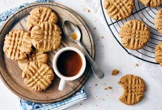 Keto-Friendly Peanut Butter Cookies