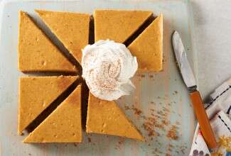 Easy-Pumpkin-Cheesecake-Bars via @kingarthurflour