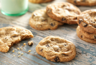 Gluten-Free Chocolate Chip Cookies via @kingarthurflour