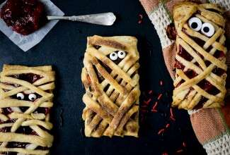 Mummy Hand Pies via @kingarthurflour
