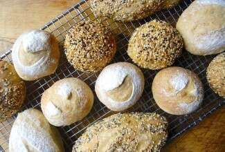 No-Knead Sandwich Rolls via @kingarthurflour