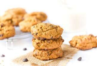 Gluten-Free Pumpkin Chocolate Chip Cookies via @kingarthurflour