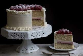 white cake via @kingarthurflour