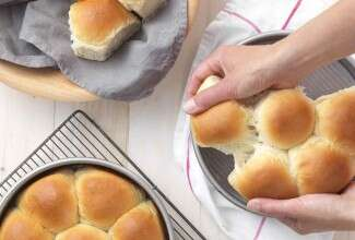 Golden Pull-Apart Butter Buns