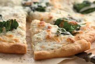 Spinach White Pizza