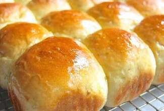 Sour Cream & Chive Potato Bread or Rolls