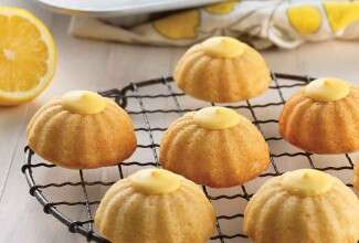 Mini Fluted Lemon Cakes