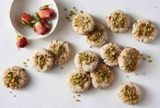Persian Walnut Cookies (Nan-e Gerdui)