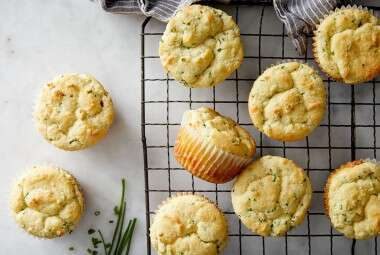 Low-Carb Parmesan-Chive Muffins