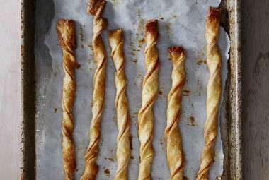 Flaky Cheese Twists
