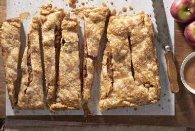 Old-Fashioned Apple Slab