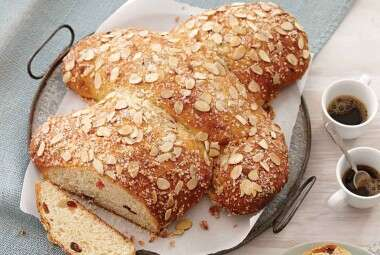 Colomba Pasquale (Easter Dove Bread)